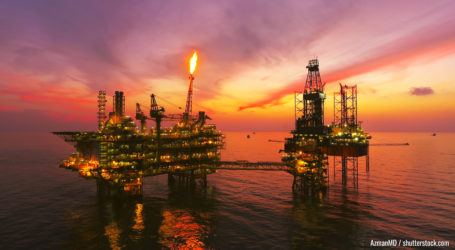 Areal Fotografy Öl und Gas Plattform von Drohne aufgenommen.